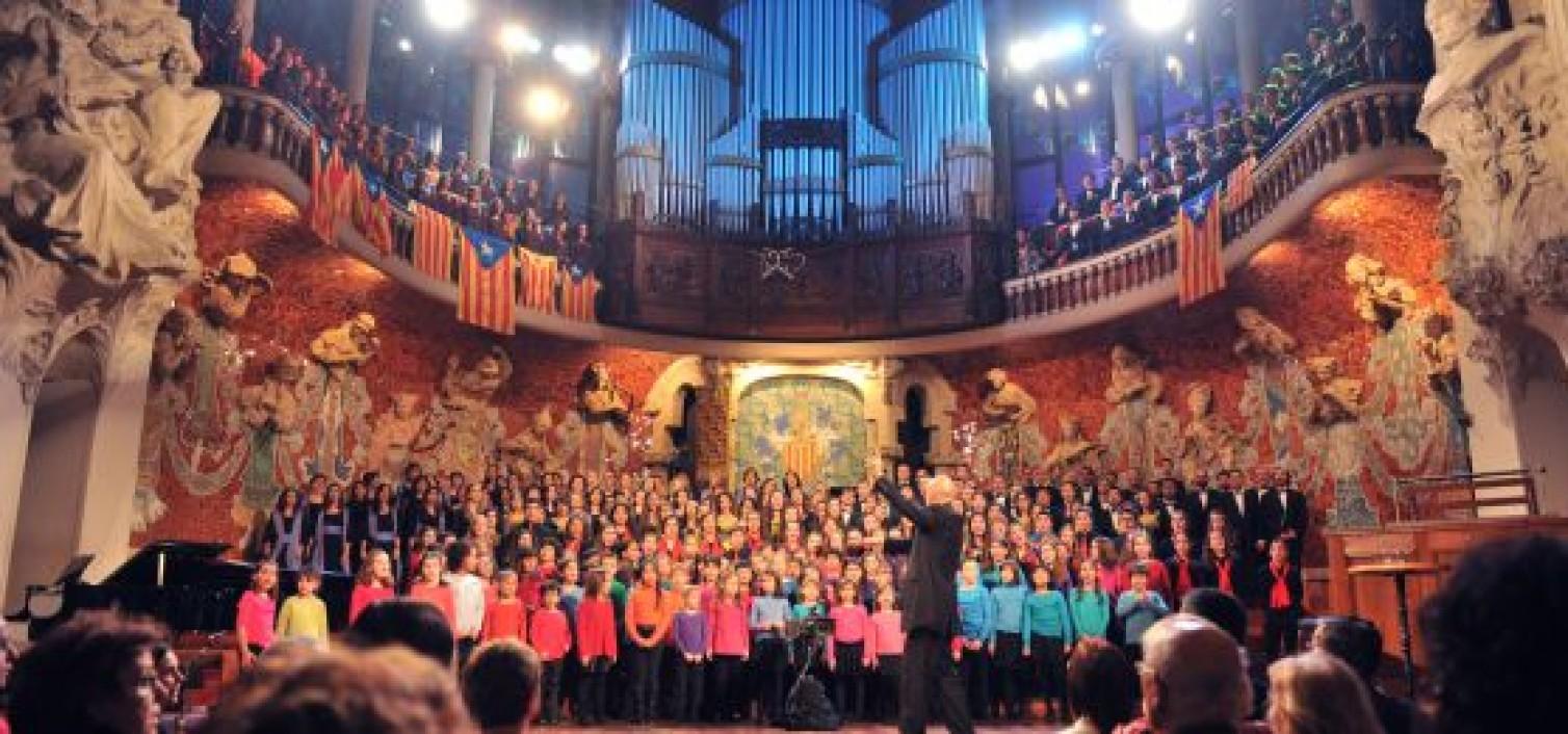 Un concierto de Sant Esteve entre 'estelades'