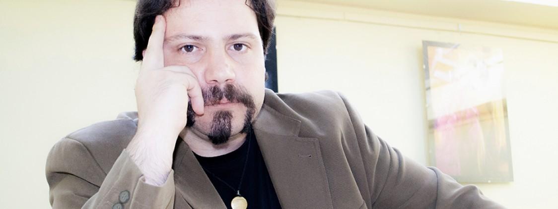 Entrevista al escritor Héctor Martínez Sanz