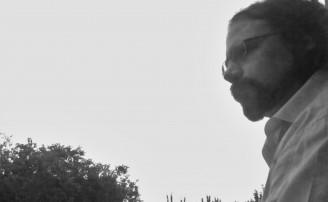 El Plomo Avanza, tragicomedia ufológica de Héctor Martínez